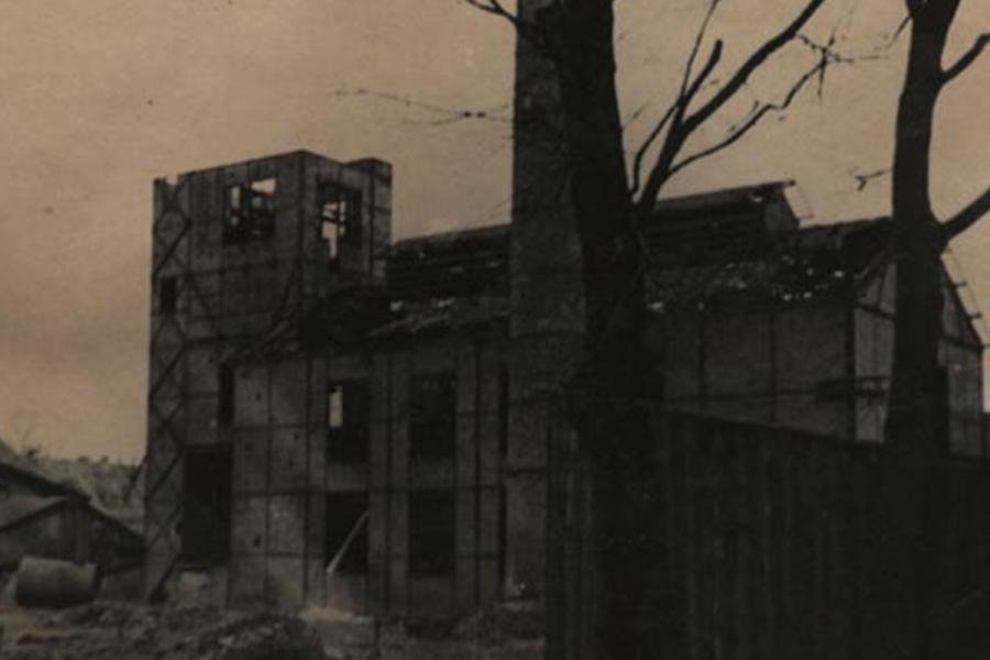 Išardyto dujų fabriko komplekso pastatų liekanos