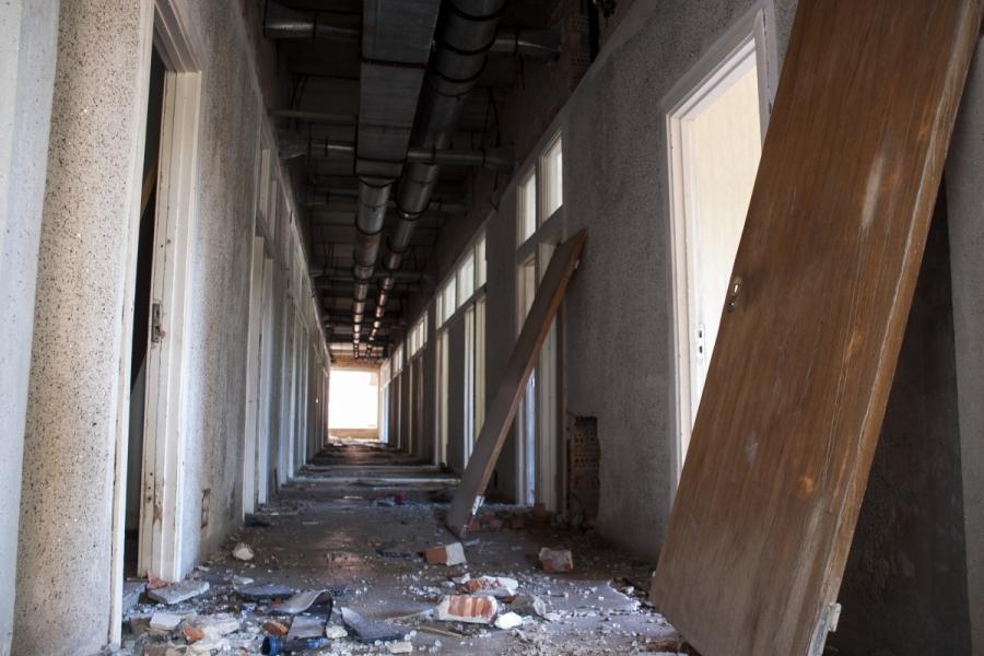 Šviesa koridoriaus gale