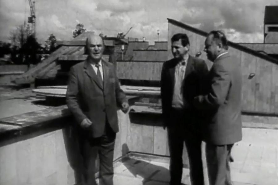1984 metai komplekso generalinis direktorius Gintautas Plaušinis (stovi centre)